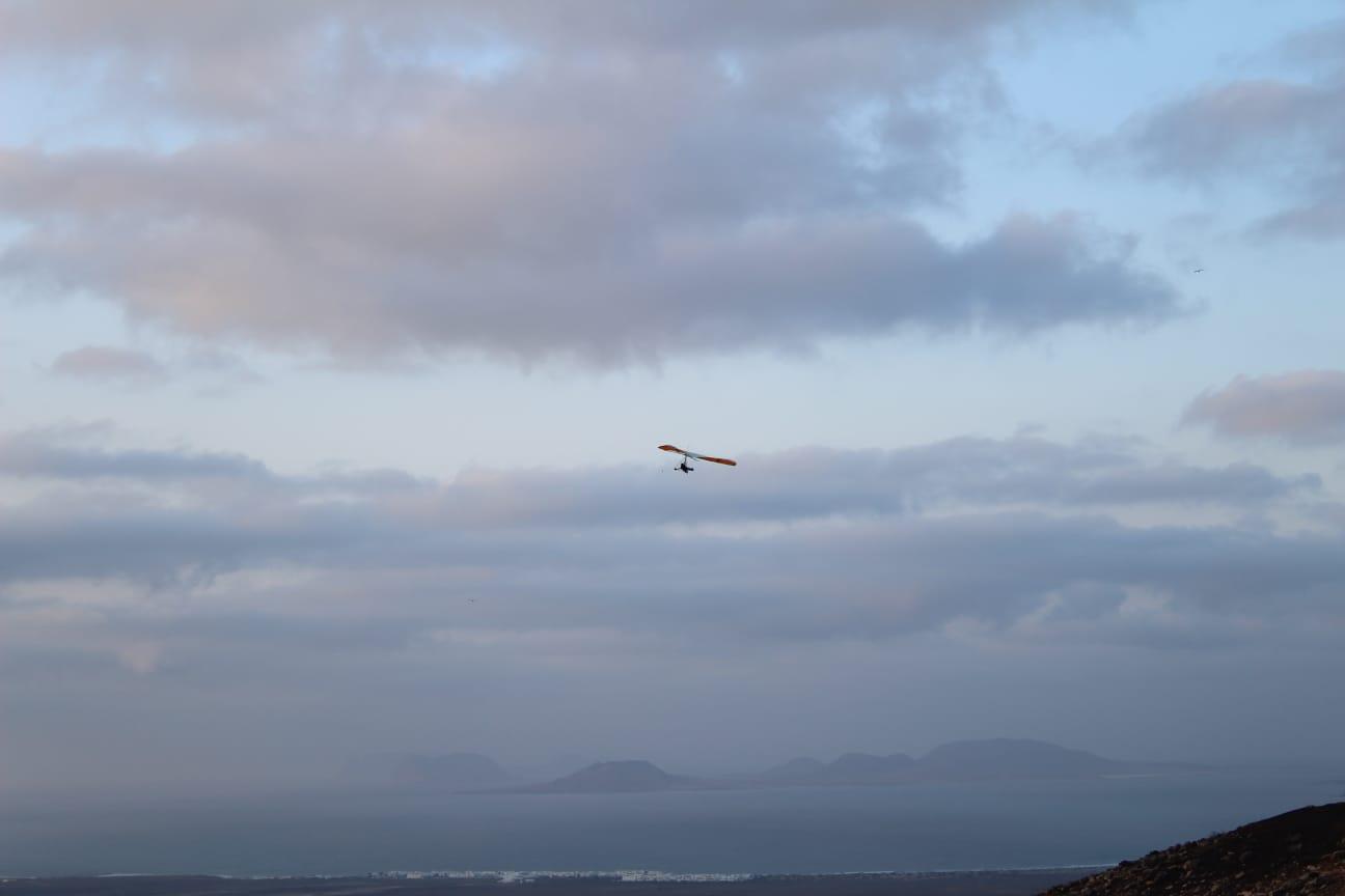 Volando Biplaza sobre Famara en Lanzarote